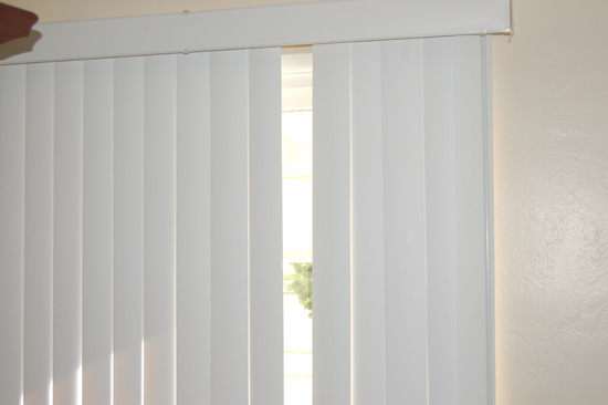 Cheap and Easy way to fix a Broken Vertical Blind